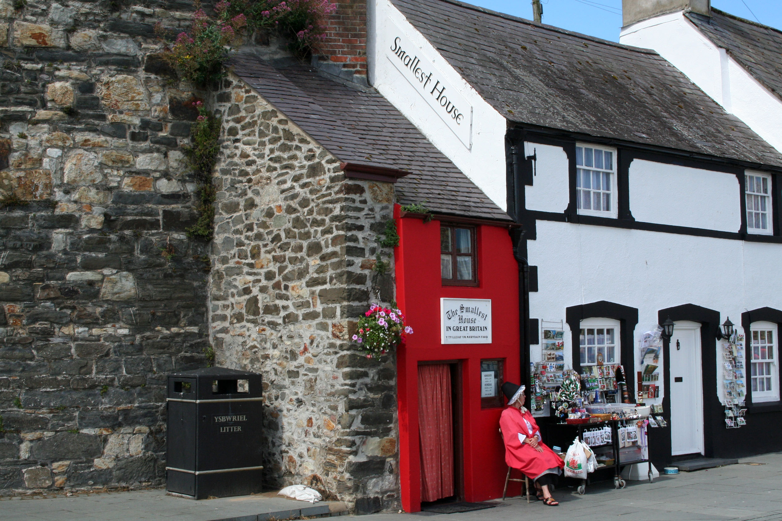 Smallest House, Conwy